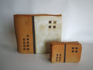 escultura de ceramica en exposicion